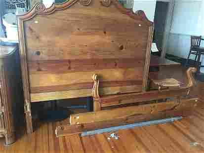 Ralph/Queen Size Bed