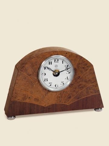 "18: ""Flared Art Deco Burr Walnut"" Léon Hatot, Fabrica"