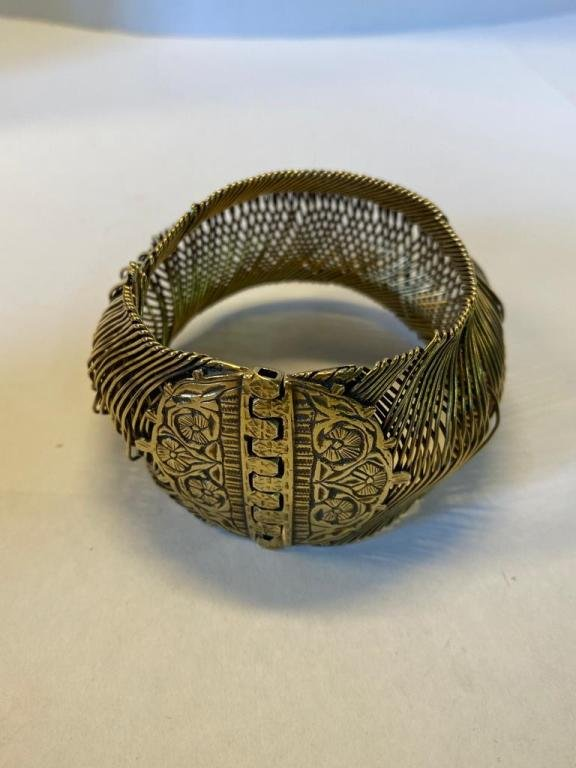 Vintage Balinese hand made mixed metal Bangle, the