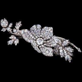ANTIQUE VICTORIAN DIAMOND EN TREMBLANT SPRAY BROOCH