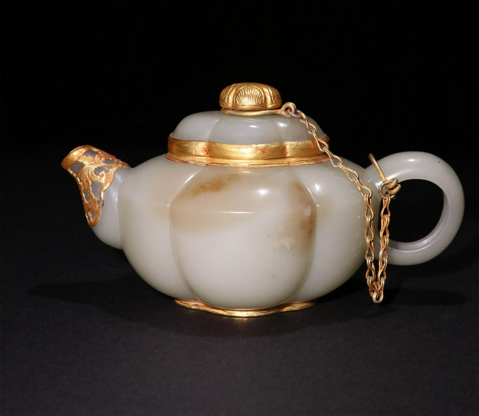 A CHINESE CARVED HETIAN JADE COVER GOLD TEA POT