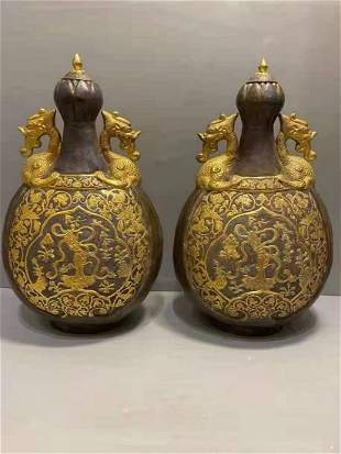 A PAIR OF LOCAL GILDING HAIR FLOWERS DOUBLE DRAGON POTS
