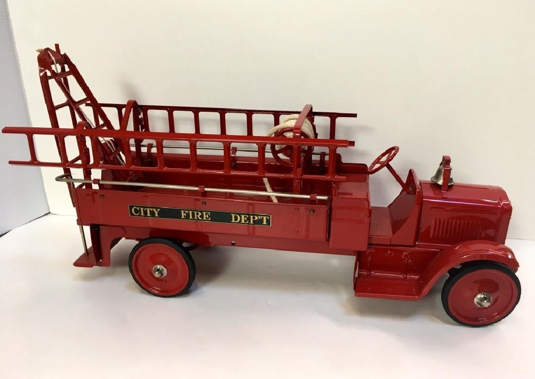 STEELCRAFT CITY FIRE TRUCK BY MURRAY
