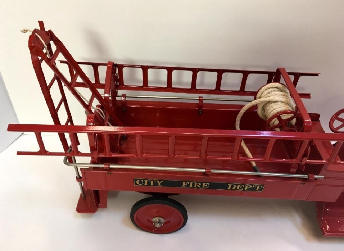STEELCRAFT CITY FIRE TRUCK BY MURRAY - 2