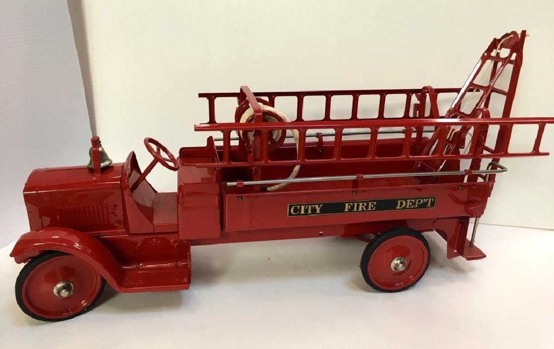 STEELCRAFT CITY FIRE TRUCK BY MURRAY - 7