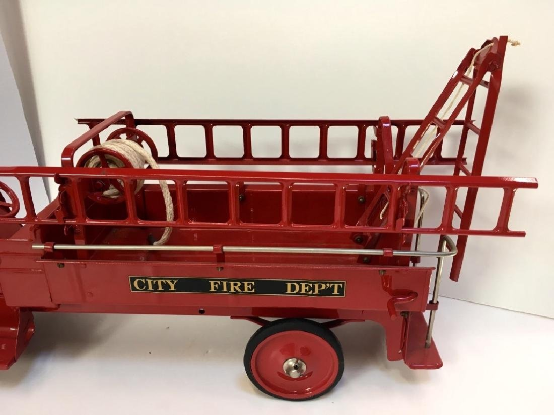 STEELCRAFT CITY FIRE TRUCK BY MURRAY - 8
