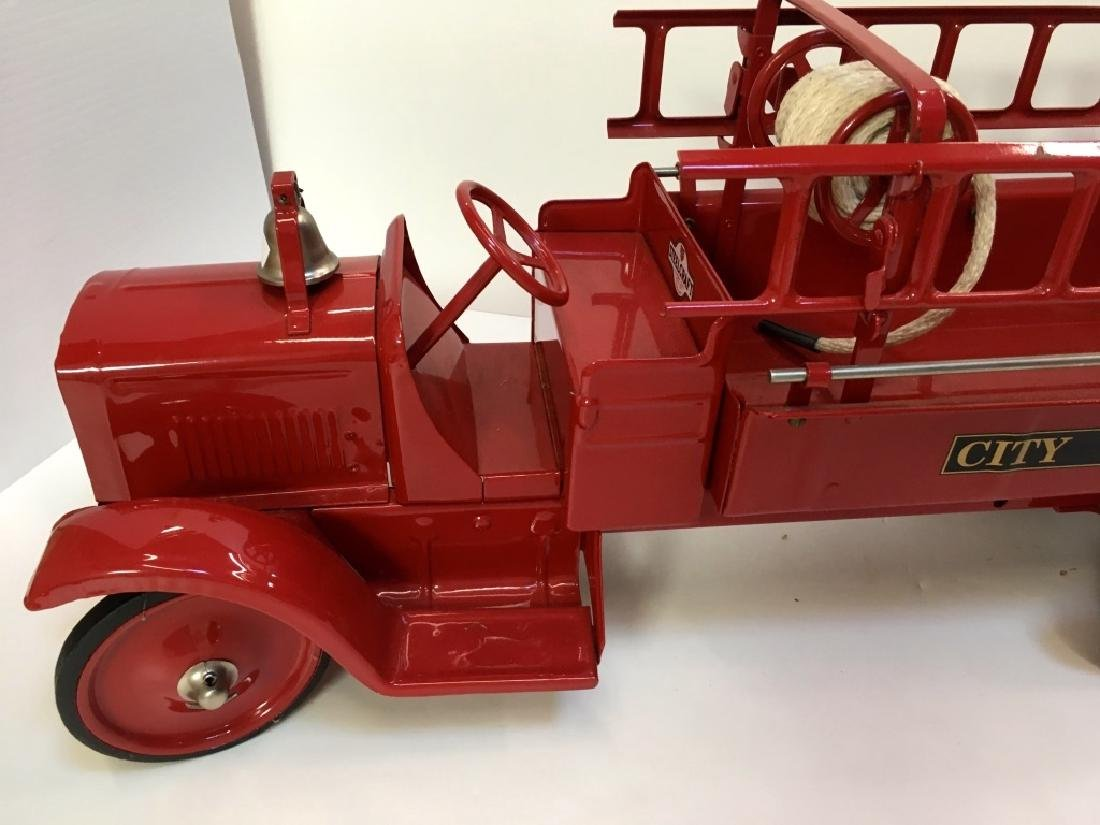 STEELCRAFT CITY FIRE TRUCK BY MURRAY - 9