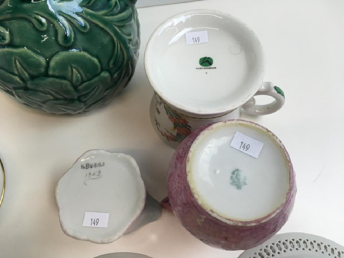 14 PCS OF DECORATIVE PORCELAINS & CERAMIC - 11