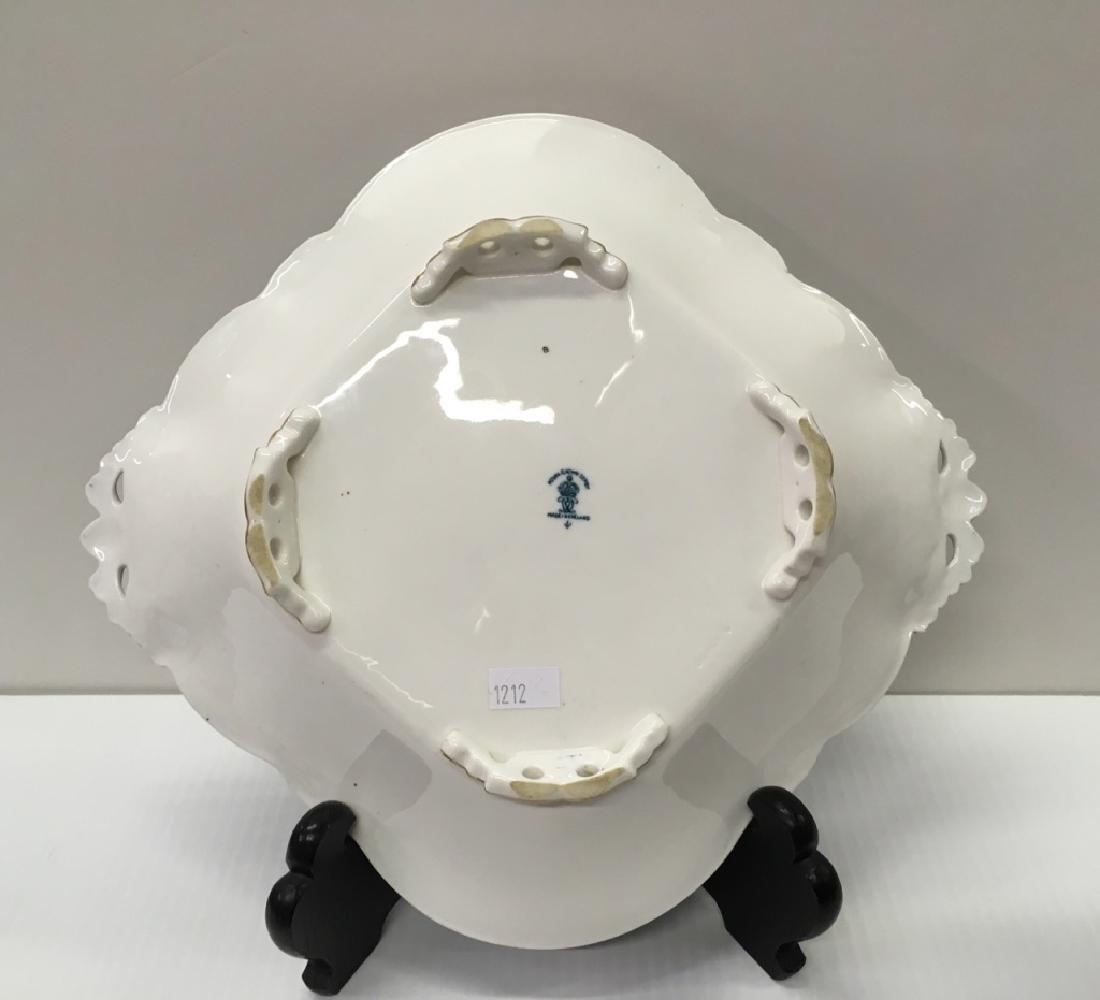 ROYAL CROWN DERBY PORCELAINS & SIGNED ART GLASS - 6