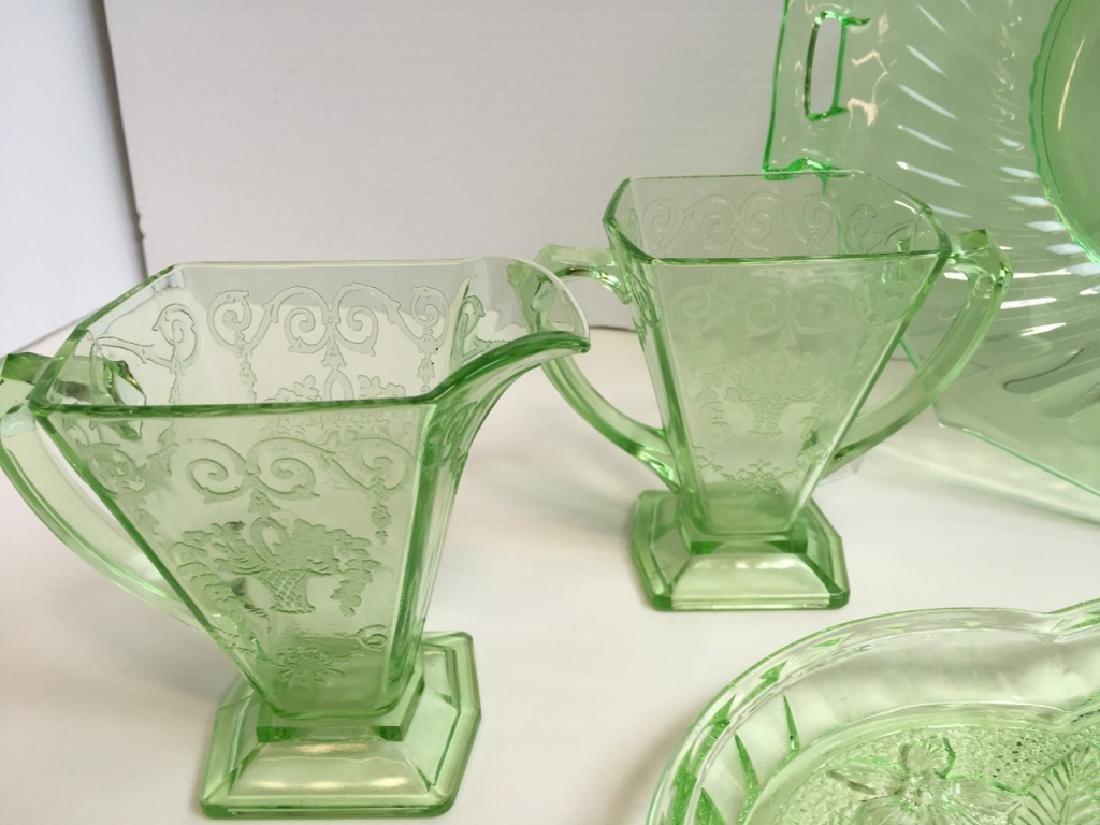 9 PCS OF VINTAGE ELEGANT & DEPRESSION GLASS WARE - 8
