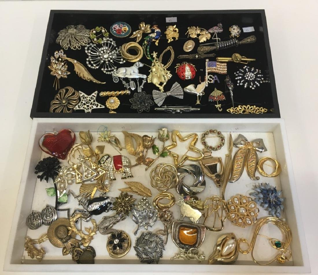 LARGE ASSORTMENT OF COSTUME JEWELRY PINS