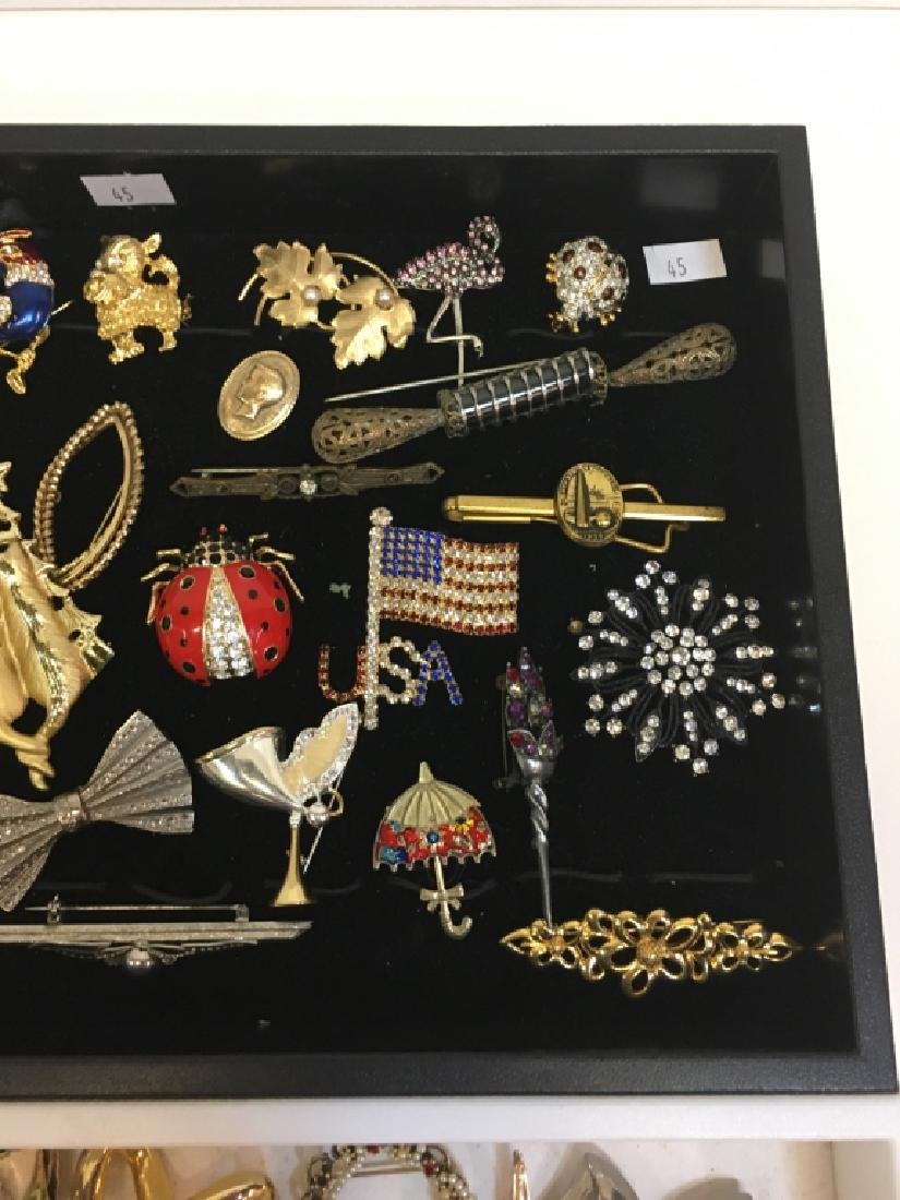 LARGE ASSORTMENT OF COSTUME JEWELRY PINS - 6