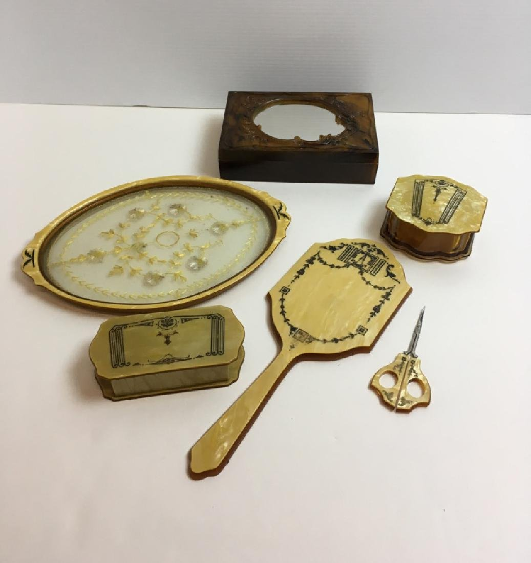 6 PCS OF VINTAGE VANITY ITEMS