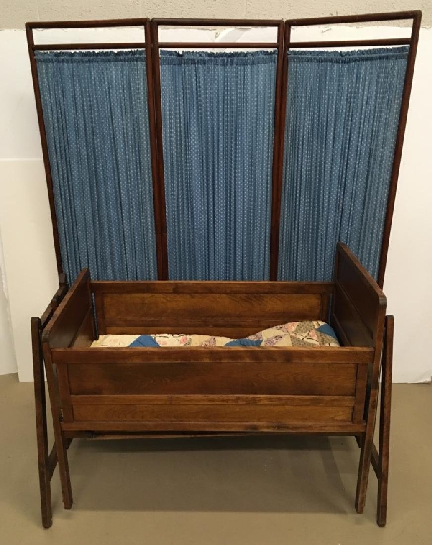 EARLY 20TH C LULLABYE CRADLE & BENTWOOD SCREEN