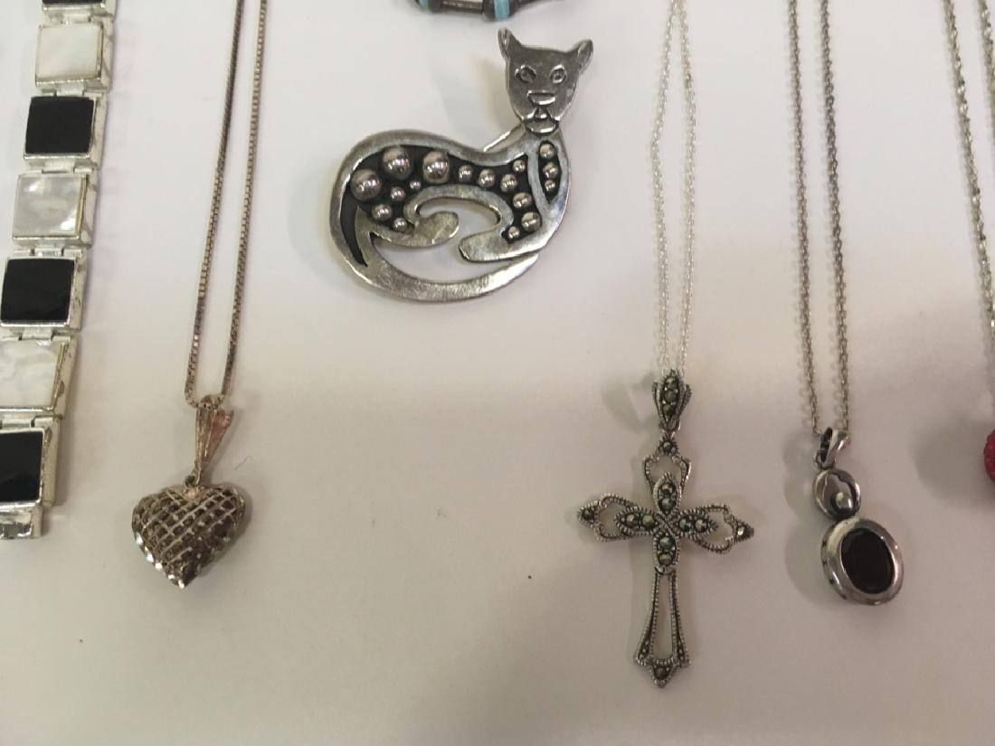 15 PCS OF ASSORTED JEWELRY - 7