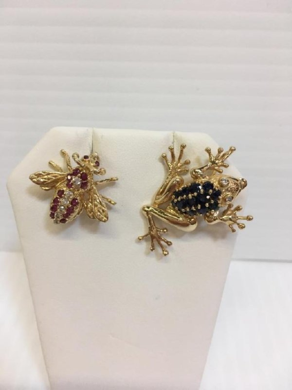 14K FROG & UNMARKED BEE PINS - DIAMONDS & STONE
