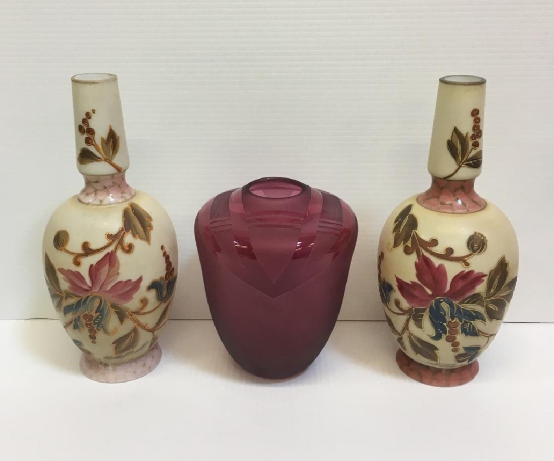 ANTIQUE BRISTOL VASES & CRANBERRY ART GLASS VASE
