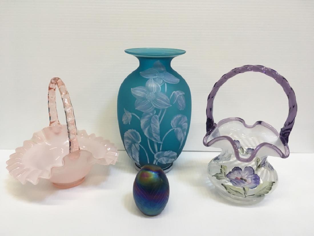 4 PCS OF DECORATIVE GLASSWARE