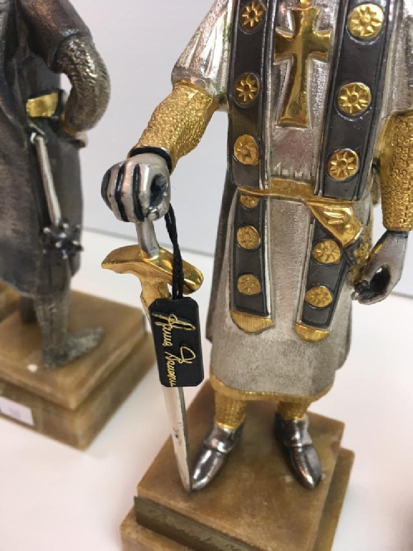 4 PAINTED AND GILDED METAL CRUSADER FIGURES - 9