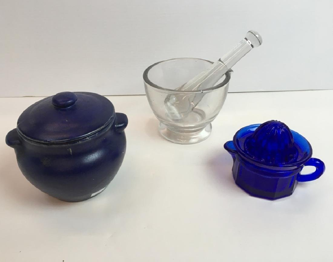 VINTAGE GLASSWARE & POTTERY
