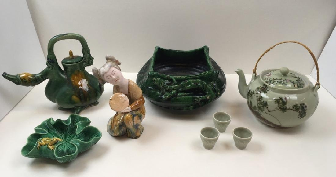 8 PCS OF CHINESE POTTERY & PORCELAIN
