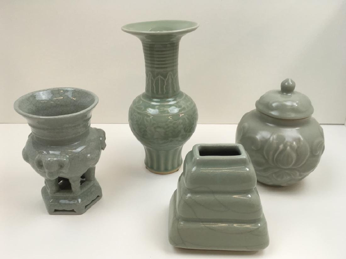 4 PCS OF CHINESE CELADON GLAZED POTTERY