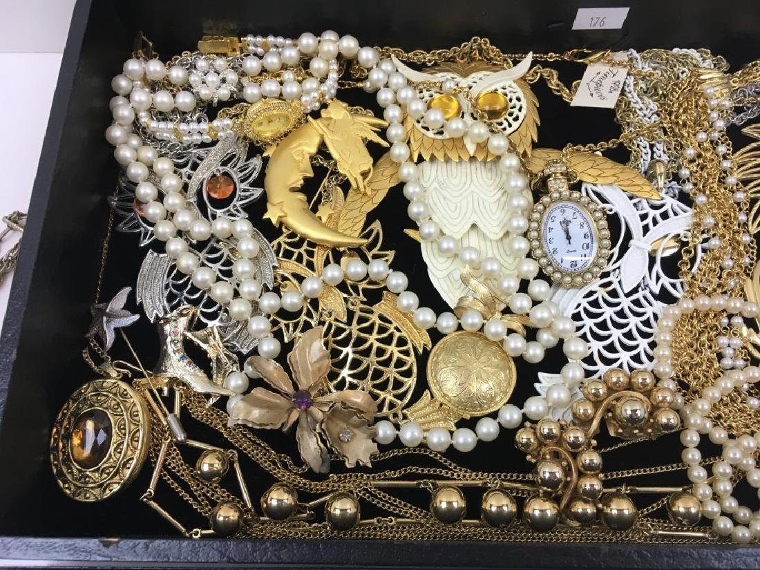 ASSORTED VINTAGE & FASHION COSTUME JEWELRY - 3