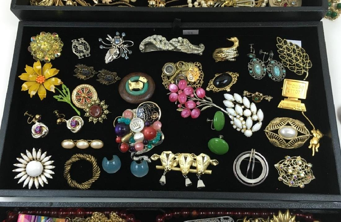 ASSORTED VINTAGE & FASHION COSTUME JEWELRY - 4