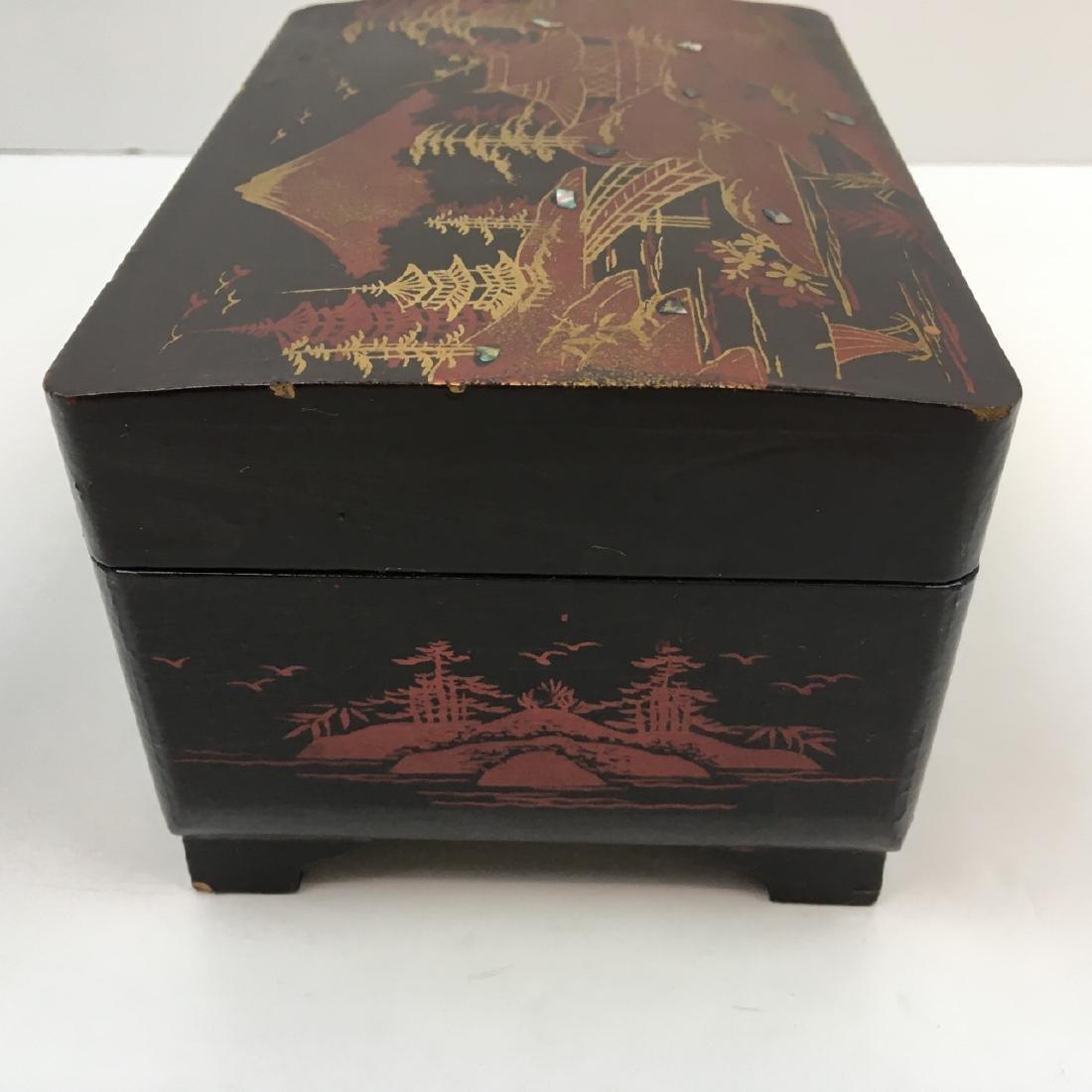 5 PCS OF ASIAN DECORATIVES - 5