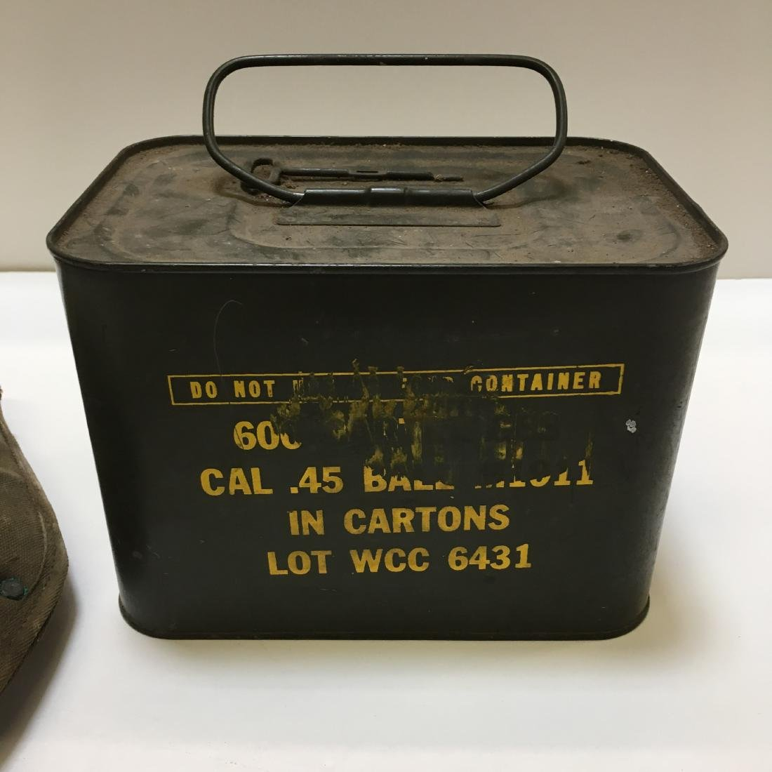 WWII ARMY SPADE & 600 RD WCC 45 BALL AMMO SPAM CAN - 2