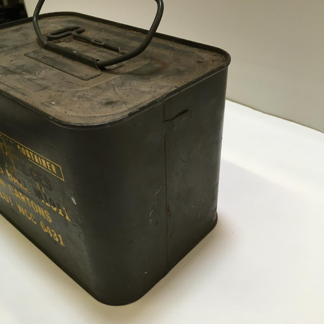 WWII ARMY SPADE & 600 RD WCC 45 BALL AMMO SPAM CAN - 3