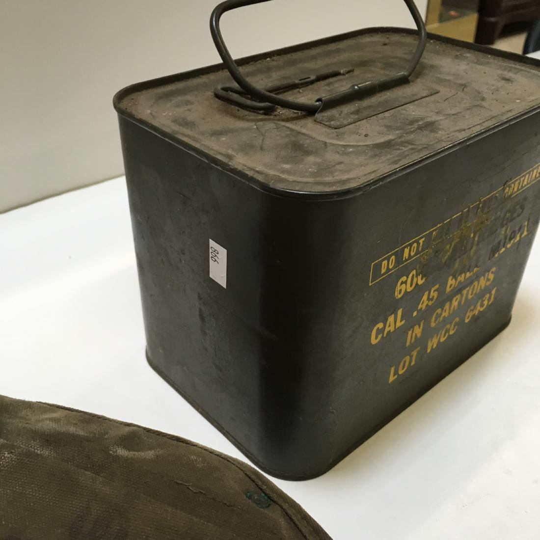 WWII ARMY SPADE & 600 RD WCC 45 BALL AMMO SPAM CAN - 4