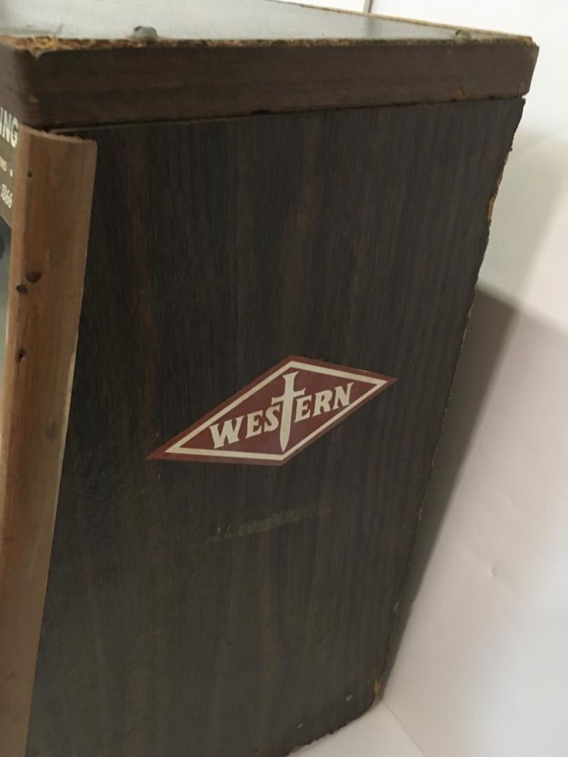VINTAGE WESTERN KNIVES STORE DISPLAY CASE - 6