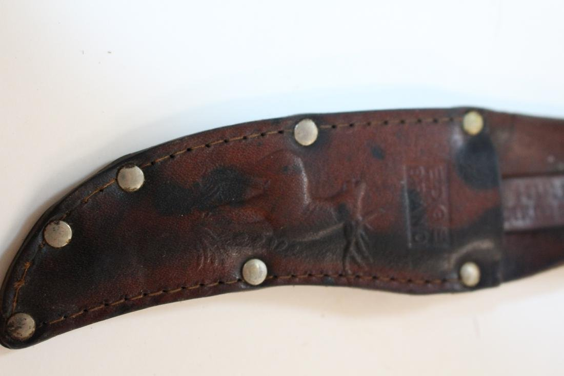 FOUR VINTAGE KNIVES AND SHEATHS - 9