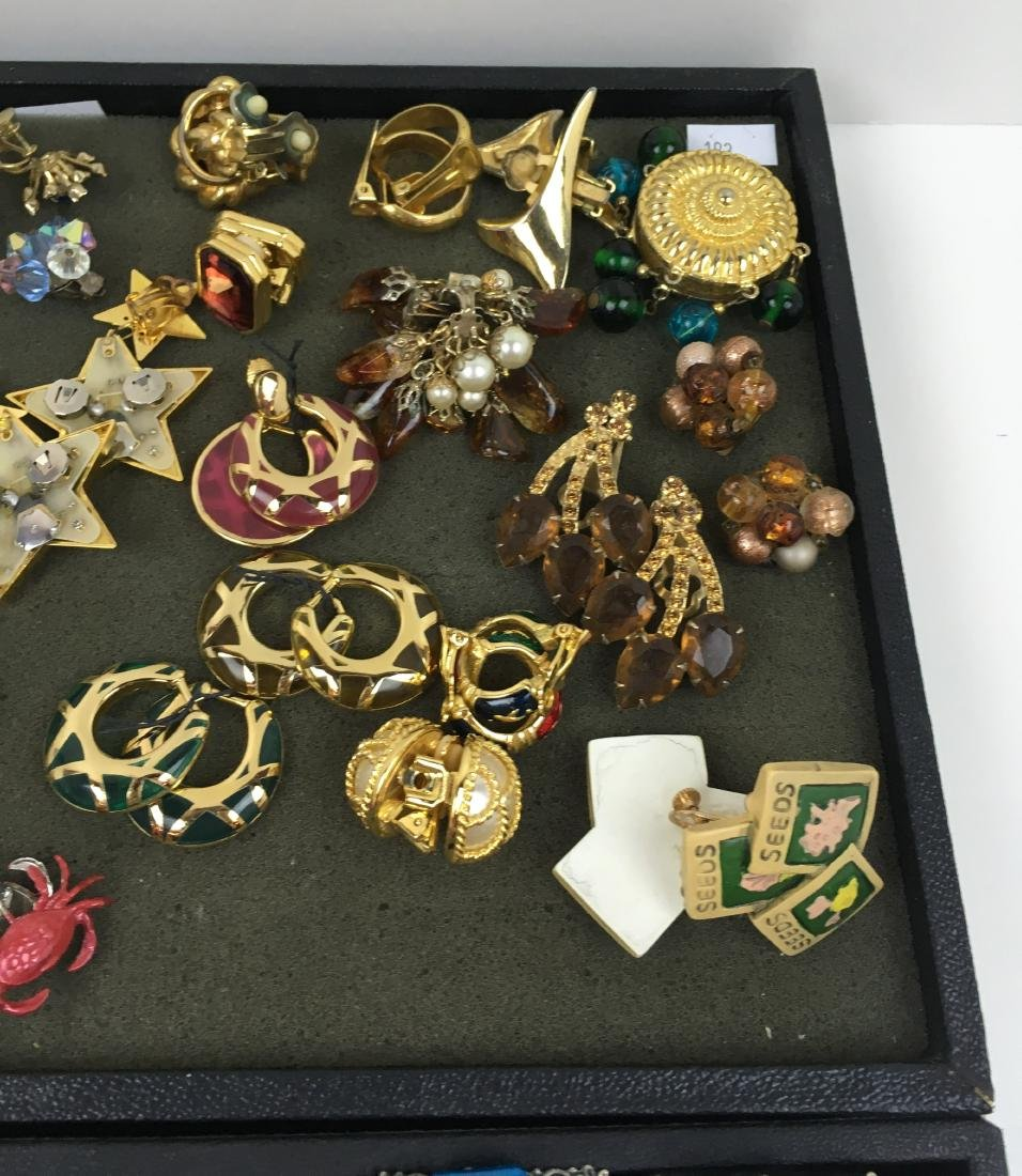 ASSORTED VINTAGE & CONTEMPORARY COSTUME JEWELRY - 3