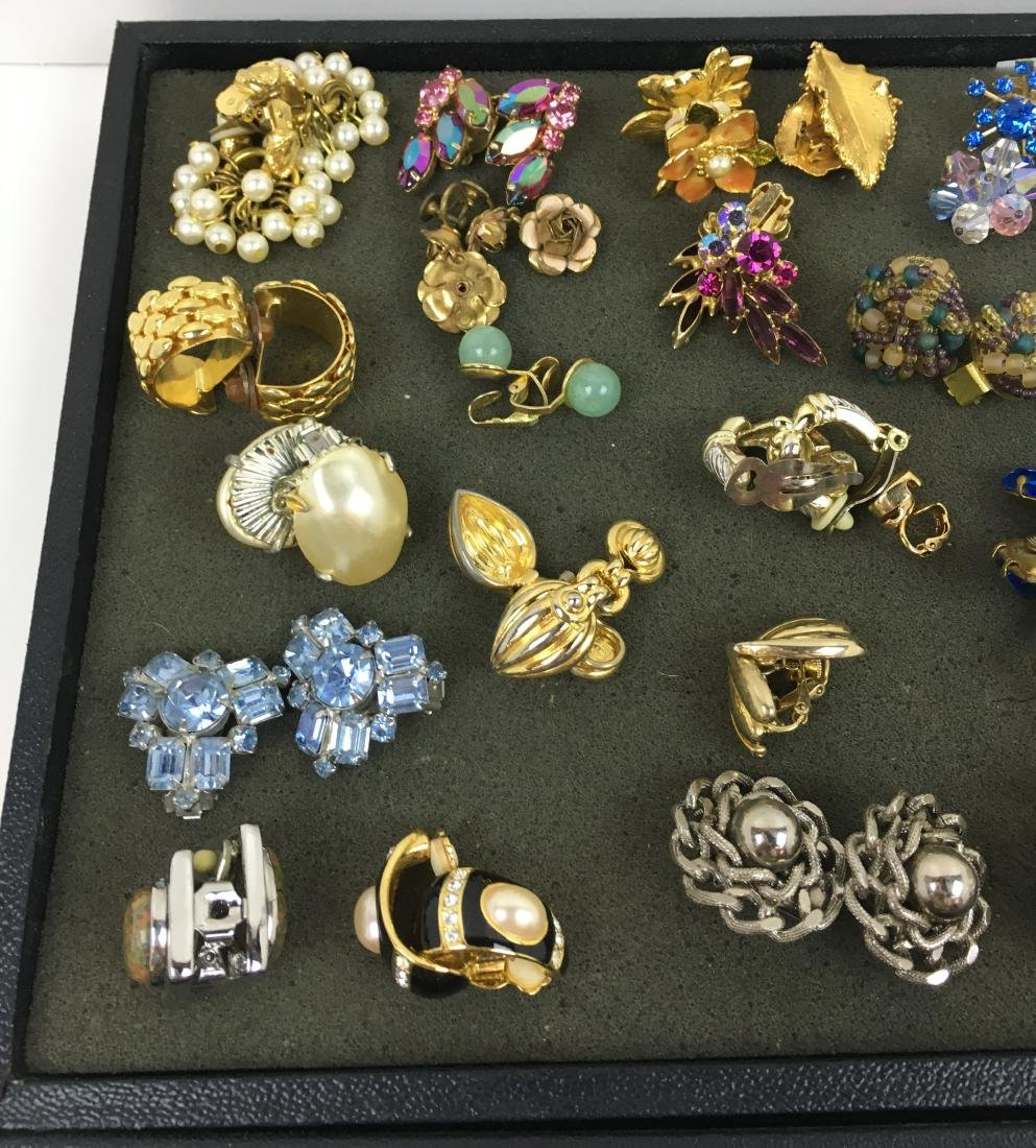 ASSORTED VINTAGE & CONTEMPORARY COSTUME JEWELRY - 5