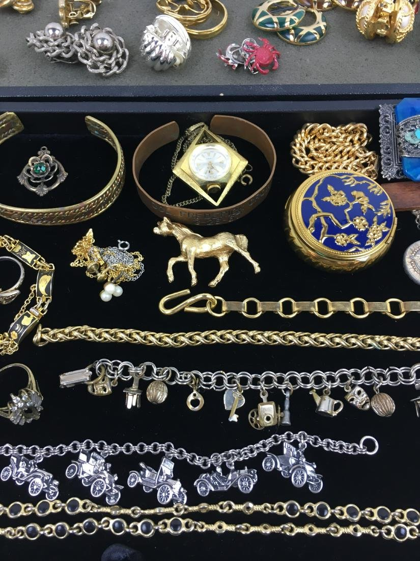 ASSORTED VINTAGE & CONTEMPORARY COSTUME JEWELRY - 8