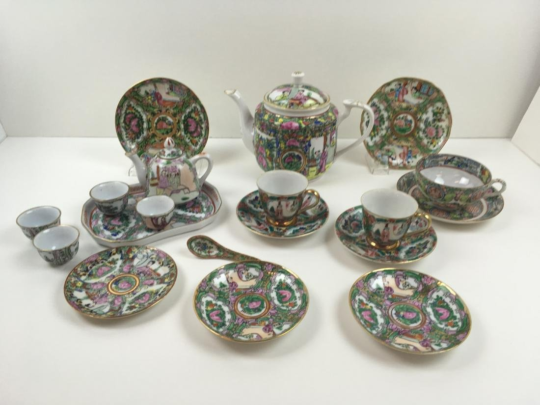 16 PCS OF HAND PAINTED FAMILLE ROSE PORCELAIN