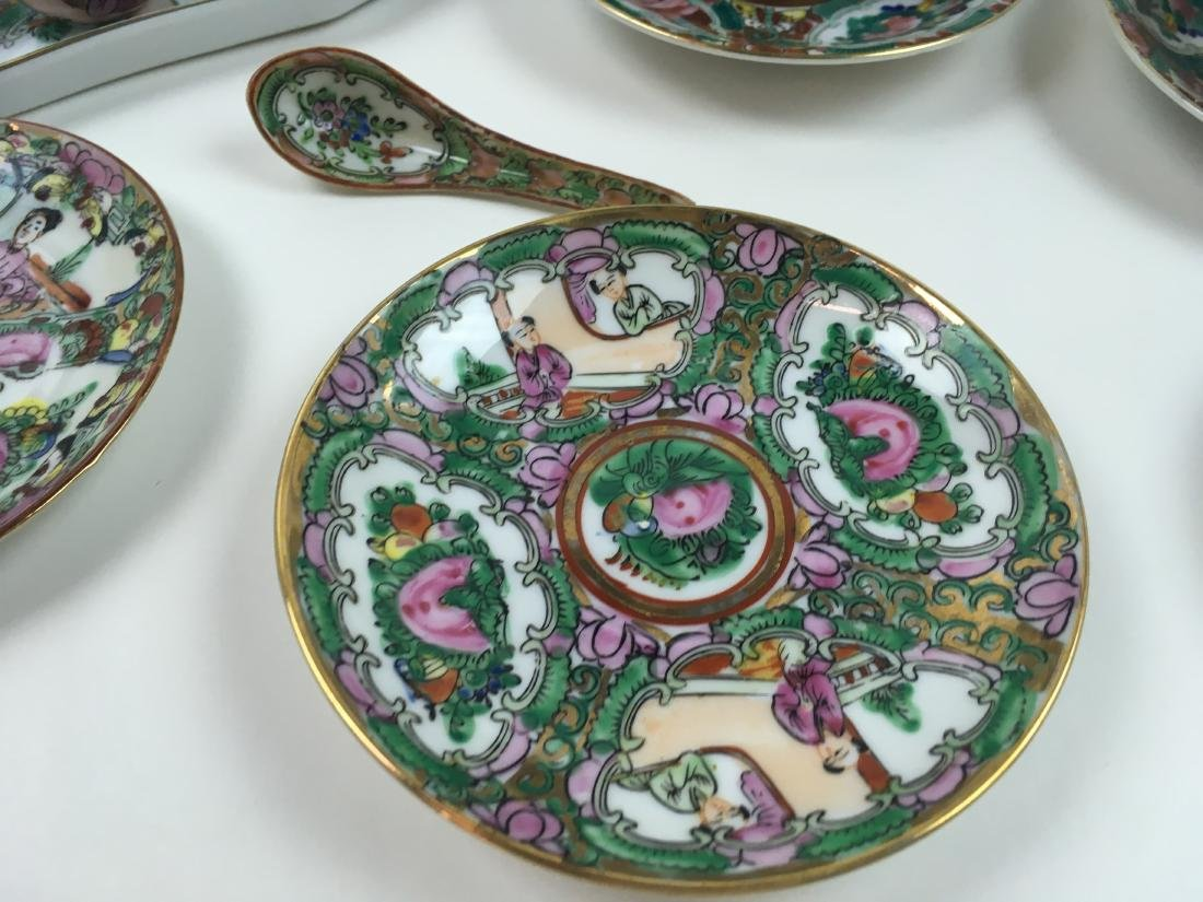 16 PCS OF HAND PAINTED FAMILLE ROSE PORCELAIN - 7