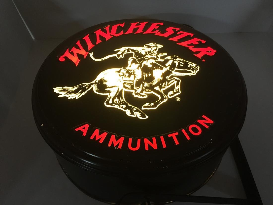 WINCHESTER REPEATING ARMS ADVERTISING LIGHT - 9