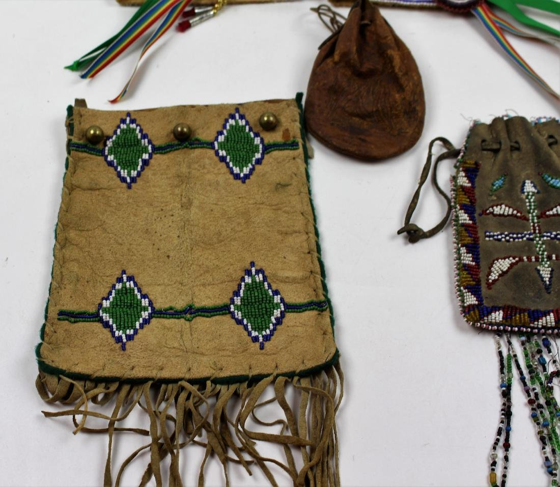 FIVE PIECES NATIVE AMERICAN - BEAD & LEATHER - 3