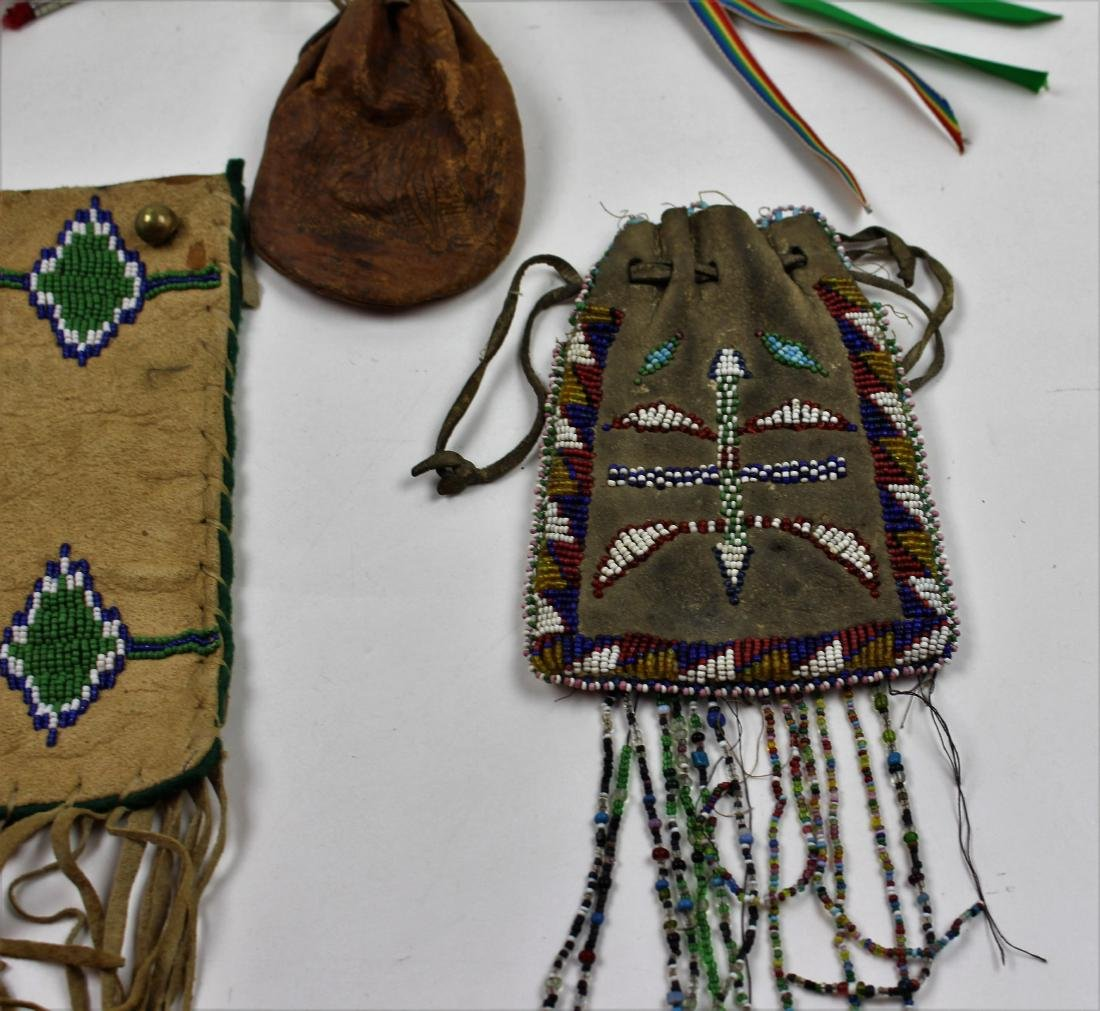 FIVE PIECES NATIVE AMERICAN - BEAD & LEATHER - 4
