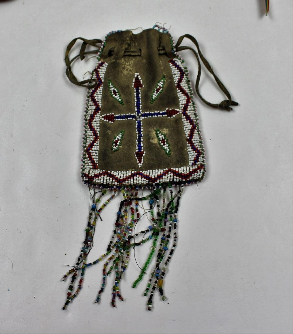 FIVE PIECES NATIVE AMERICAN - BEAD & LEATHER - 6