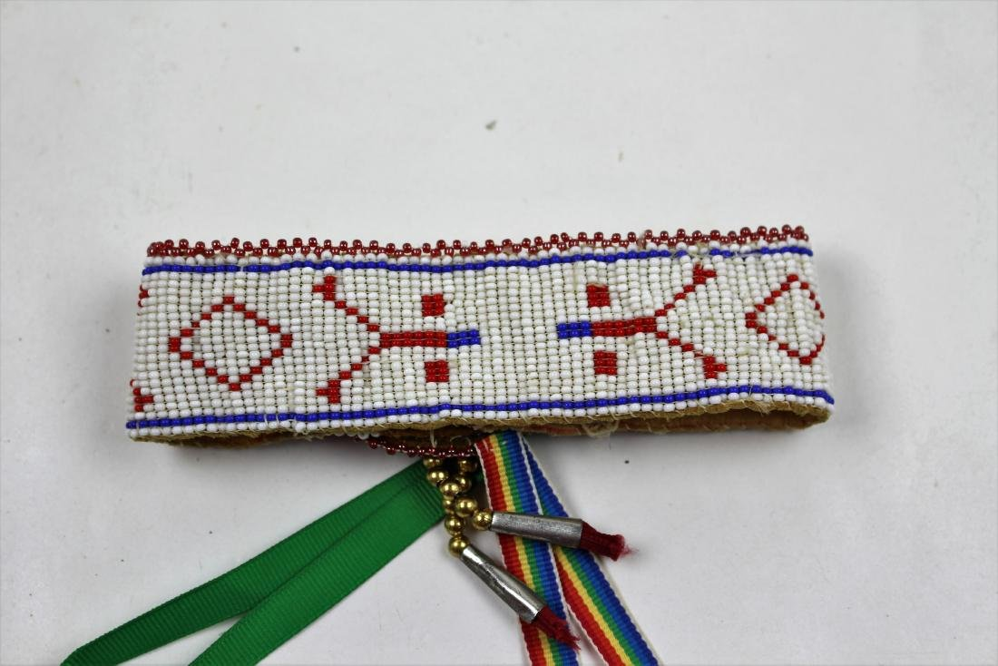 FIVE PIECES NATIVE AMERICAN - BEAD & LEATHER - 8