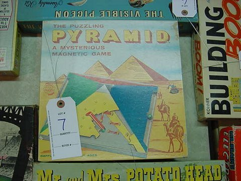 7: The Puzzling Pyramid - Vintage Game - Complete in Bo