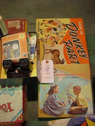 18: Vintage View Master and Numerous Disks - Happy Land