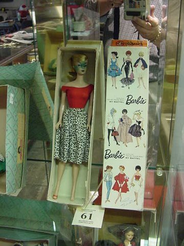 61: Vintage Barbie in the Box - Redhead - Number 850 -D
