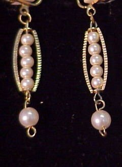 10J: Pearl Drop Earrings set in yellow gold