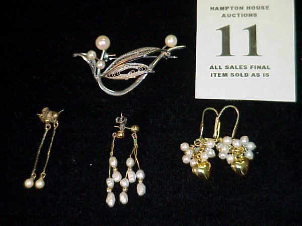 11J: 3 pr. Pearl Drop earrings in yellow gold, I silver