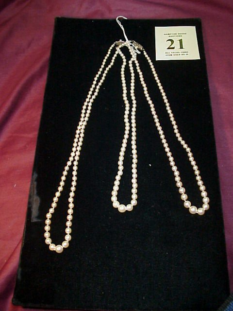 "21J: 3 Pearl Necklaces 2) 18"" length, 1) 22"" length eac"